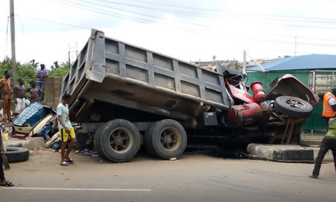 SAD ! Mother, Daughter, Motorcyclist Killed As Truck Rams Into Building In Ijebu-Ode